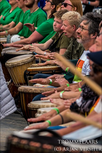 "Four Horizons - 2000 drummers at sea • <a style=""font-size:0.8em;"" href=""http://www.flickr.com/photos/49926820@N08/30731570758/"" target=""_blank"">View on Flickr</a>"