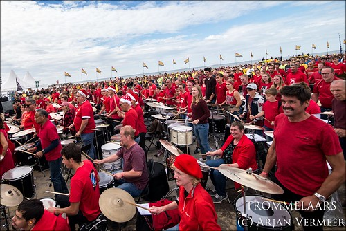"""Four Horizons - 2000 drummers at sea • <a style=""""font-size:0.8em;"""" href=""""http://www.flickr.com/photos/49926820@N08/30731596168/"""" target=""""_blank"""">View on Flickr</a>"""