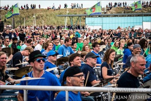 "Four Horizons - 2000 drummers at sea • <a style=""font-size:0.8em;"" href=""http://www.flickr.com/photos/49926820@N08/44552220742/"" target=""_blank"">View on Flickr</a>"