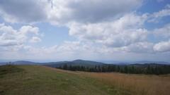 Vedere spre sud-est de pe vf Lăcăuți - vf Clăbuci și Manișca Mare