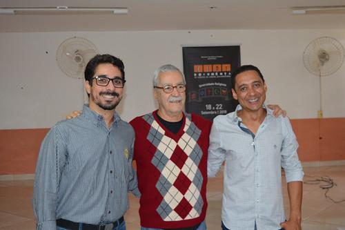Rodlon Valadares, Secretário de Cultura, Esporte e Lazer da prefeitura de Piriquito, com o Bigode e Éderson