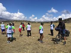 Marathon-Läufer bei den Ruinen in Curamba