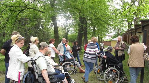 """Nachmittag    im Arboretum Plauen ehemaliger Friedhof_2 mit Bernhard Weisbach • <a style=""""font-size:0.8em;"""" href=""""http://www.flickr.com/photos/154440826@N06/43284016570/"""" target=""""_blank"""">View on Flickr</a>"""