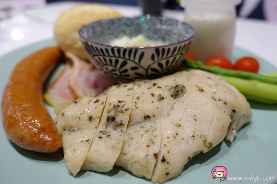 [桃園美食]Corner Green Cafe綠角咖啡~桃園尊爵大飯店旁新開韓式咖啡館.韓國歐巴主廚道地料理 @VIVIYU小世界