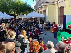 Fira de Nadal per a totes les edats. Un any mes, omplim de poble la plaça @AcistTiana #SomPoble #Tiana