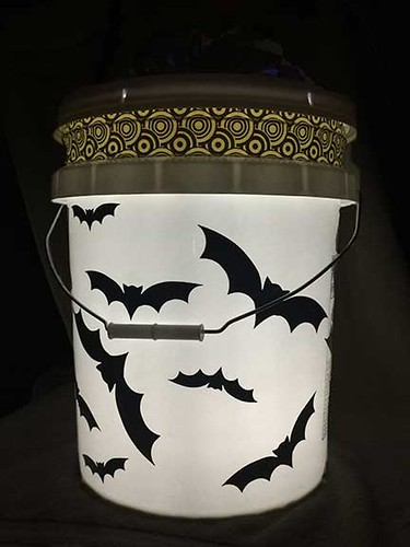 bucket with light - alternative pumpkin with Cricut
