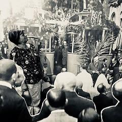 Saps que pots entrar a la història de #Tiana? Fes-te la foto el dia de la inauguració del tramvia el 1916. La Carme Cussó ja se l'ha fet! #sompoble ♥️