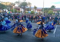Kleine Tanzparade in Ayacucho auf dem Plaza de Armas