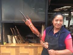 Cuy (gegrilltes Meerschweinchen) peruanische Spezialität hier in Coya