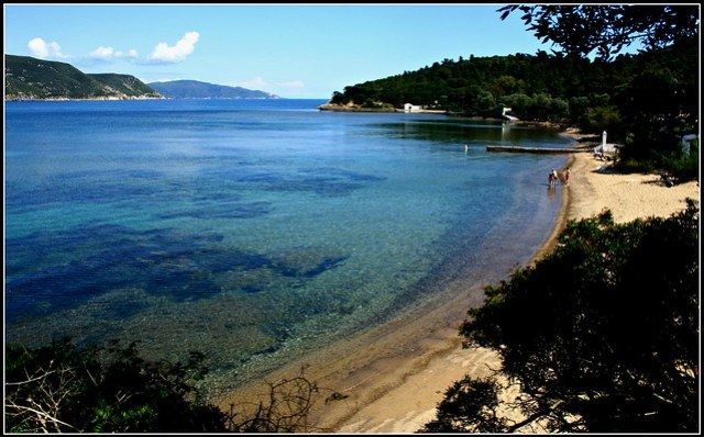 elba, la spiaggia di galenzana, un pomeriggio di maggio