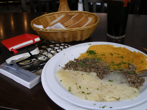 Haggis, Neeps and Tatties with Moleskine, Steinbeck at the Babbity Bowster