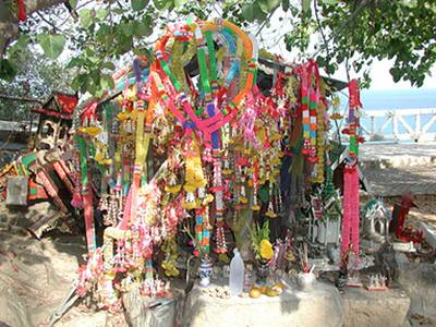 03-61 roadside shrine
