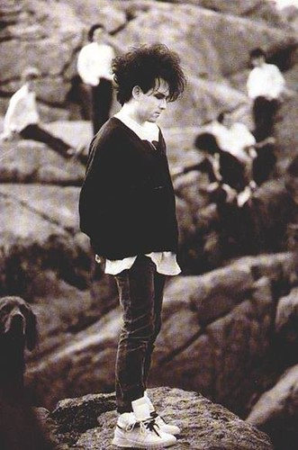 Robert Smith by isobelo