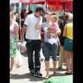 Ben affleck steals a kiss from wife jennifer garner during a family
