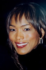 Angela  Bassett   ©     copyright 2010