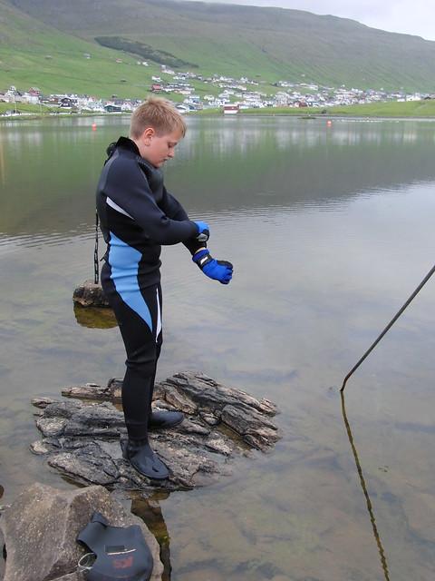 Preparing himself for Jóansøkusvimjingin 2010
