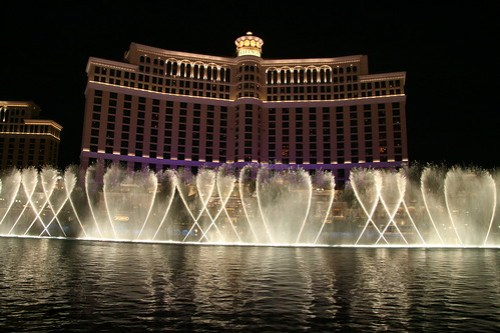bellagio fountains photo