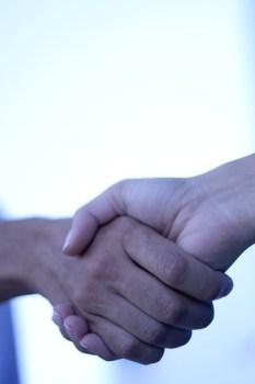 """handshake I"" di Álvaro Canivell"