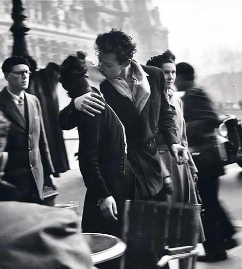 Robert Doisneau - Kiss