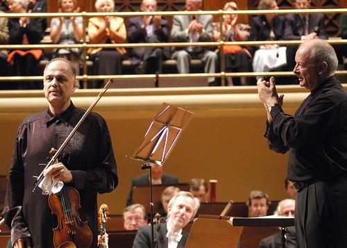 Christopher Hogwood, Bohuslav Matoušek a Česká filharmonie na Pražském jaru /28.5.2004/