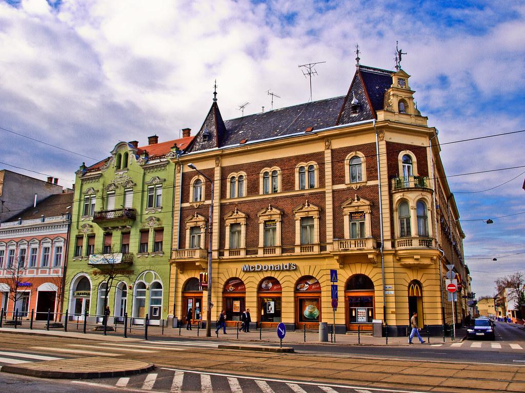 Debrecen, Piac utca - Arany János utcai Mcdonalds