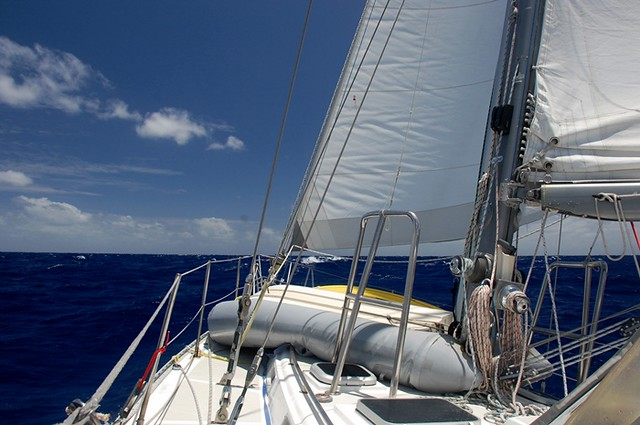 sailing double reefed dinghy