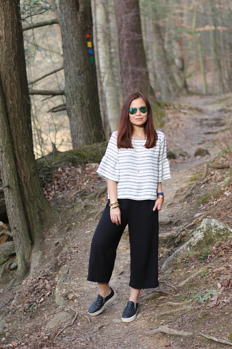who-what-wear-stripe-top-hm-culottes-sneakers-4