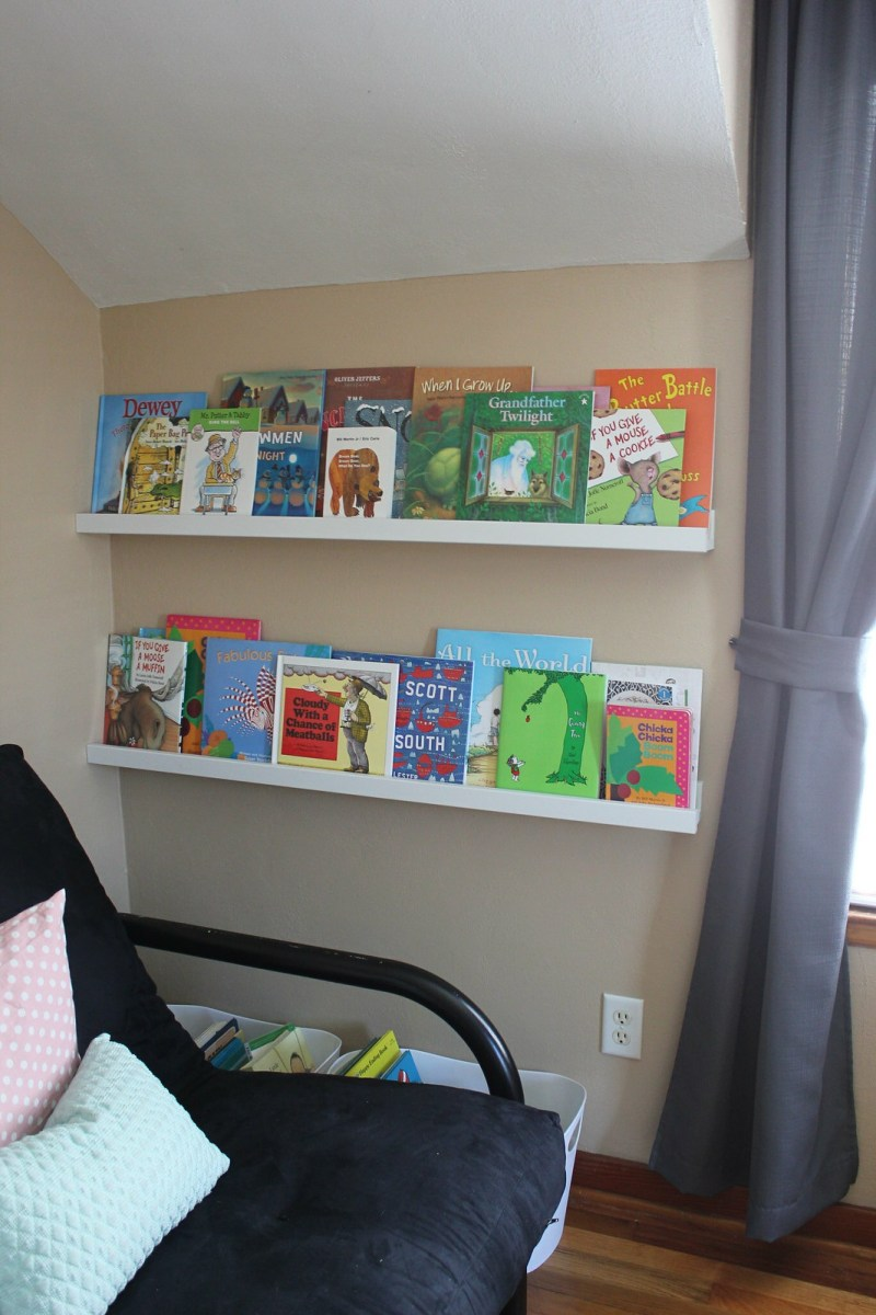 Book display shelves