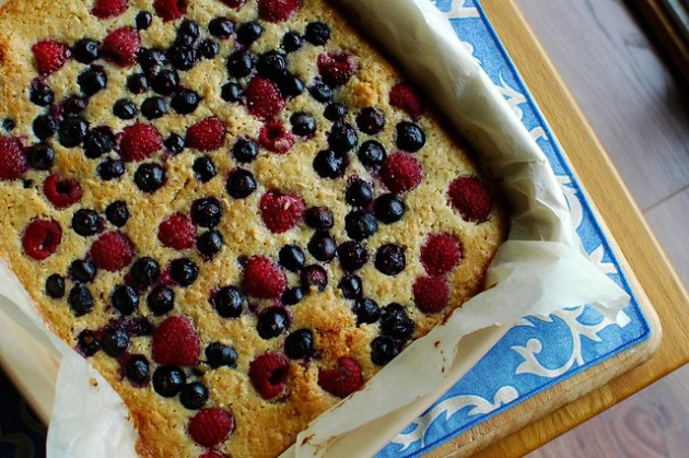 Blueberry & Raspberry Oatbake