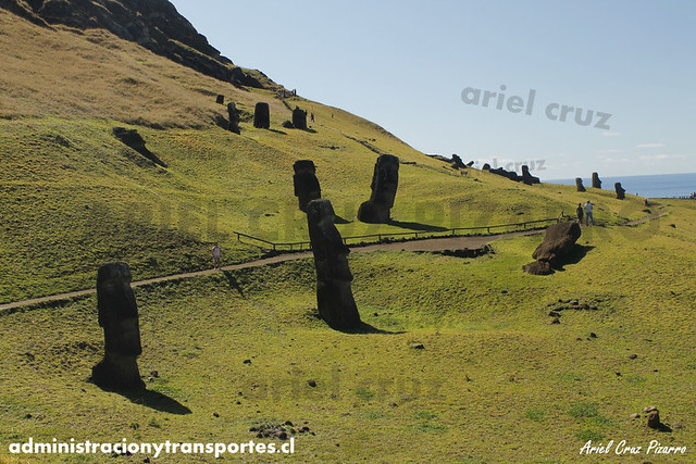 Rano Raraku (Moai) - Isla de Pascua