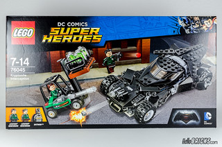 REVIEW LEGO 76045 DC Comics Batman Kryptonite Interception 01