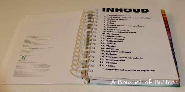 Hét handboek voor zelfmaakmode, Knipmode, naaien, naaiboek, basisboek, basisboek naaien, handboek, A Bouquet of Buttons, bladeren door