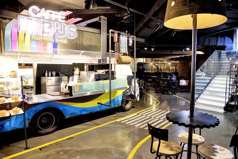 首爾東大門 Caffe in Bus,在巴士裡喝咖啡