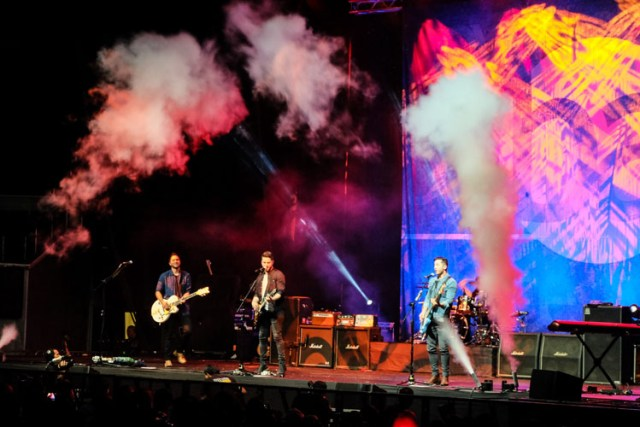 Boyce Avenue Live in Manila 2016 - Mimai Cabugnason