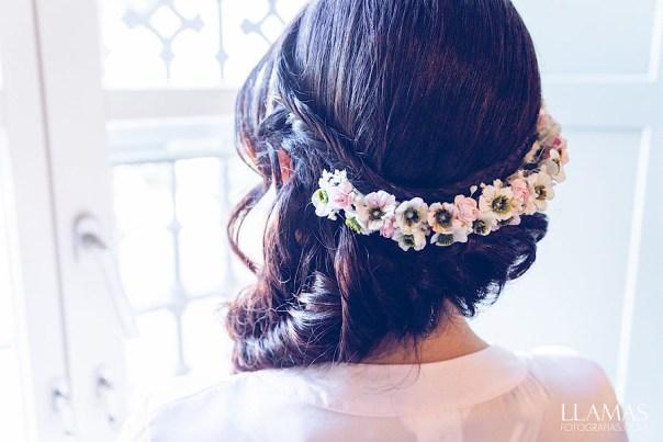 Media corona de flores novia
