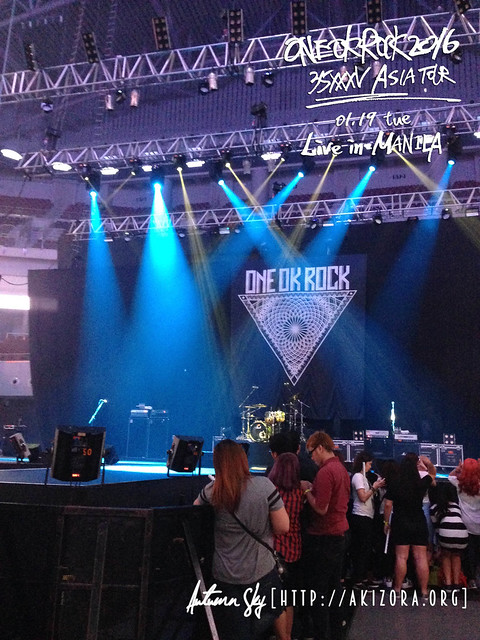 ONE OK ROCK Live in Manila Stage