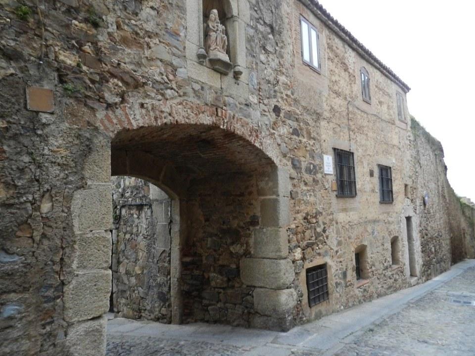 Arco de Santa Ana Calle Adarve de Santa Ana Caceres