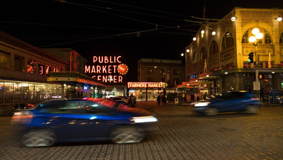 SeattlePikePlaceMarketNight
