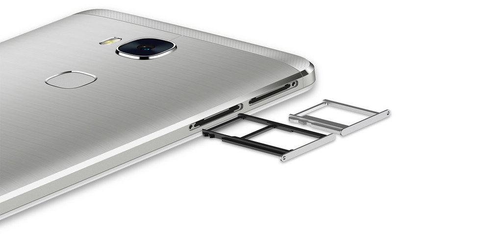 De Honor 5X is een Dual SIM telefoon, handig voor zij die hun werk en privé gesprekken gescheiden houden.