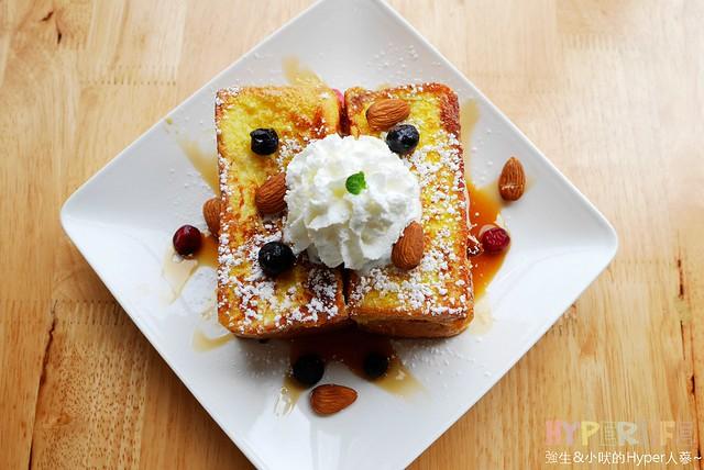 25564036183 bf7bdf85f4 z - 北屯區早午餐│包旺家bowwow焦糖小姐愛核糖,還有美式煎餅