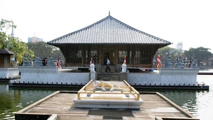 Meditation hall at Beira lake