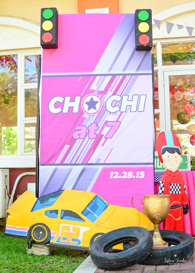 girly race car photo op
