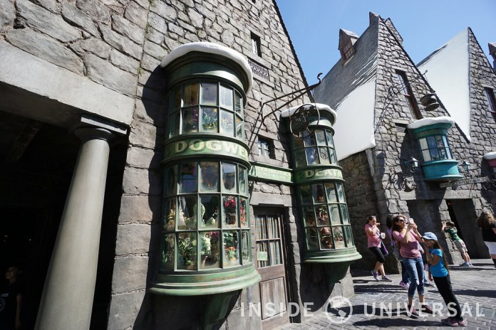 The Wizarding World of Harry Potter at Universal Studios Hollywood - Dogweed and Deathcap