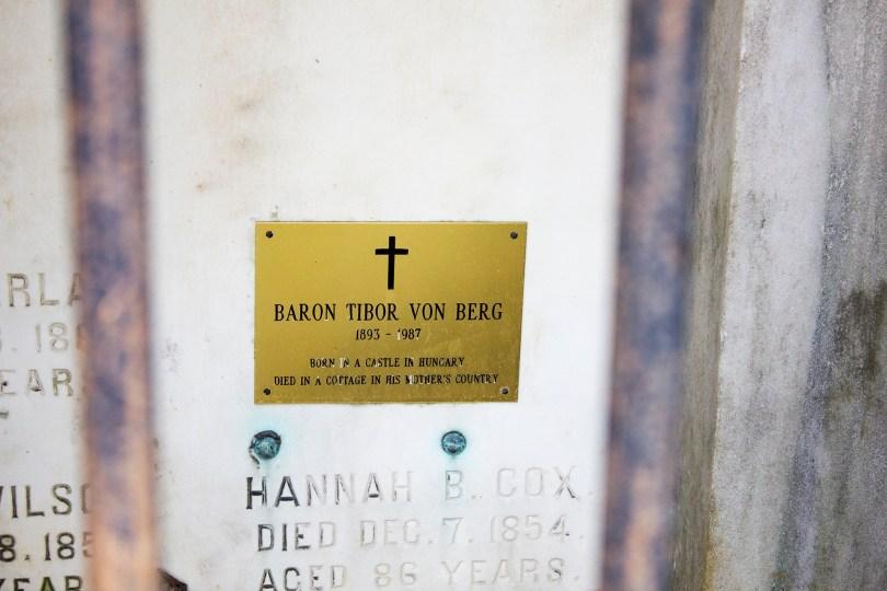 wilmington-brandywine-historical-cemetary-baron-tibor-plaque