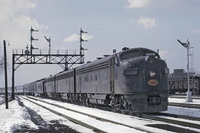 Chicago & Eastern Illinois FP7A 1609 in Chicago with the Hummingbird & Georgian on March 31, 1964