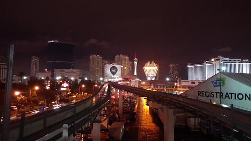 รอรถ Monorail ที่ลาสเวกัส