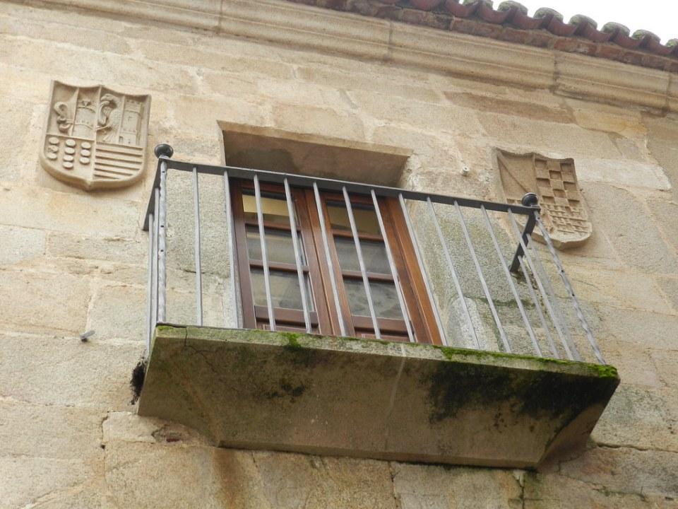balcon Casa de los Moraga Plaza de Santa Maria Caceres 02
