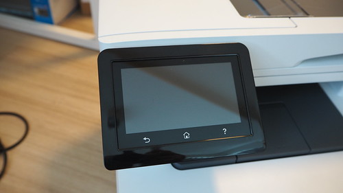 หน้าจอแสดงผลแบบสัมผัสขนาด 4.3 นิ้วของ HP Color LaserJet Pro MFP M477fdw