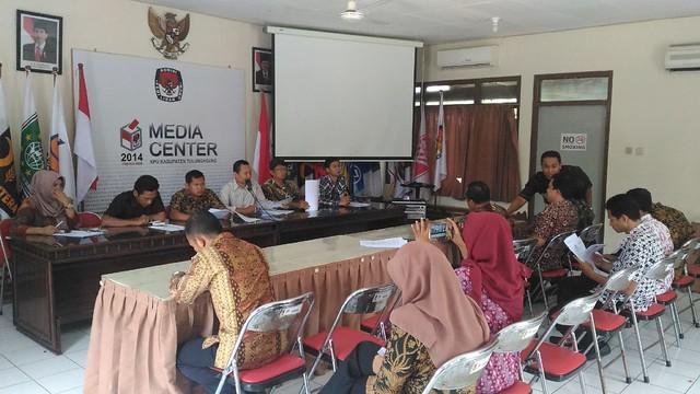 Rapat Tata Kelola Arsip di Media Center KPU Kab.Tulungagung (6/4)
