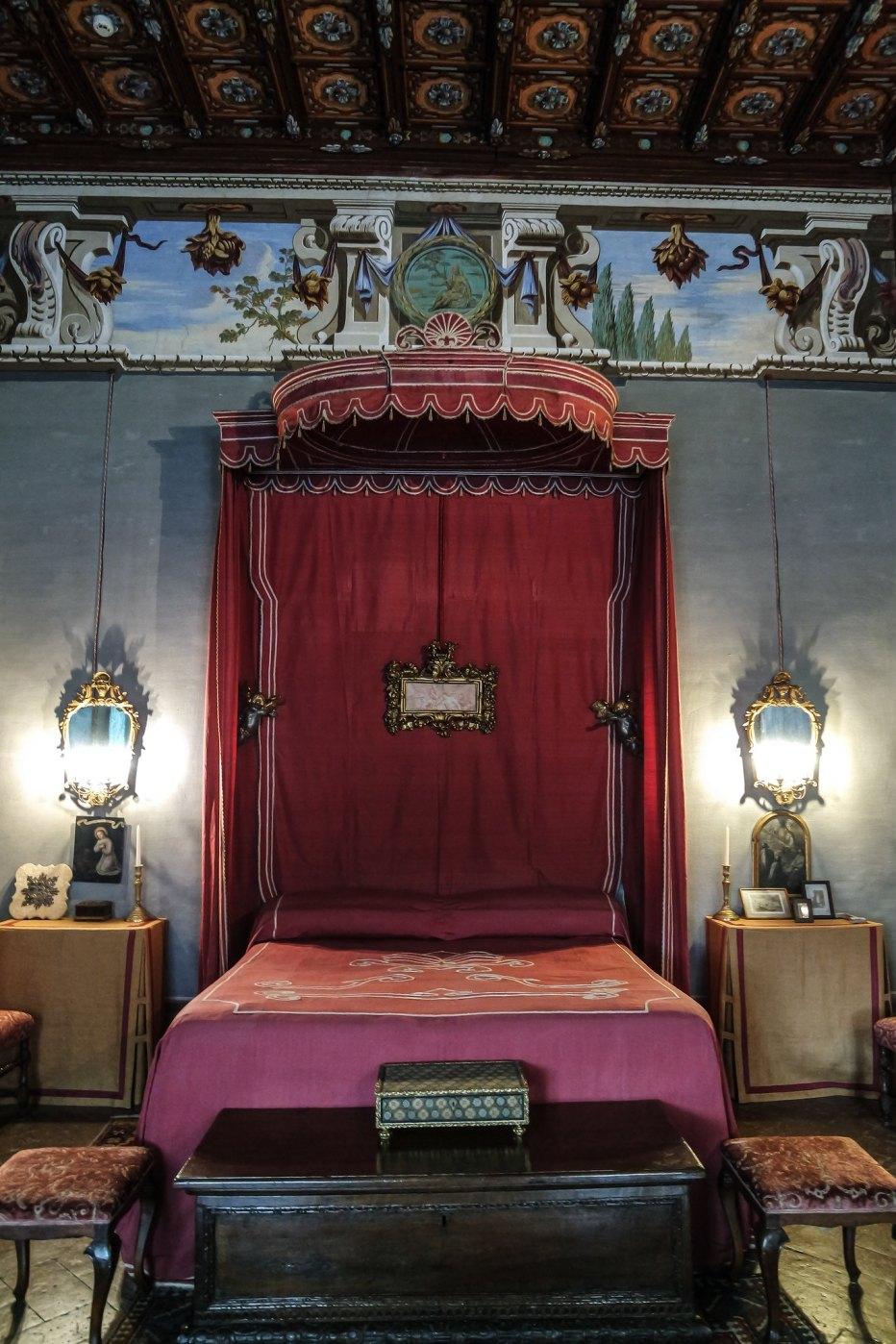 Camera del letto rosso
